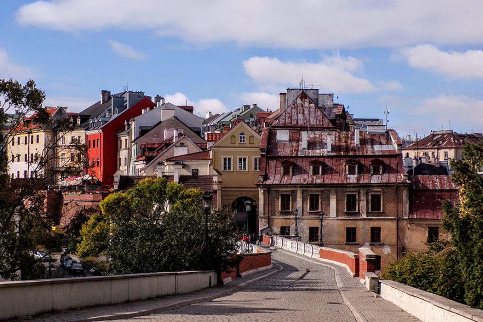 Ten zniszczony dom to dom Beaty Kozidrak